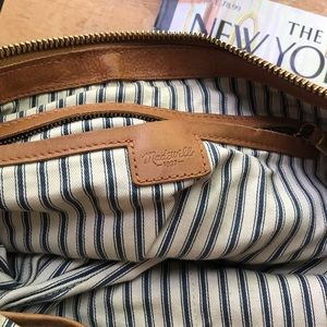 Madewell Bags - Madewell leather purse